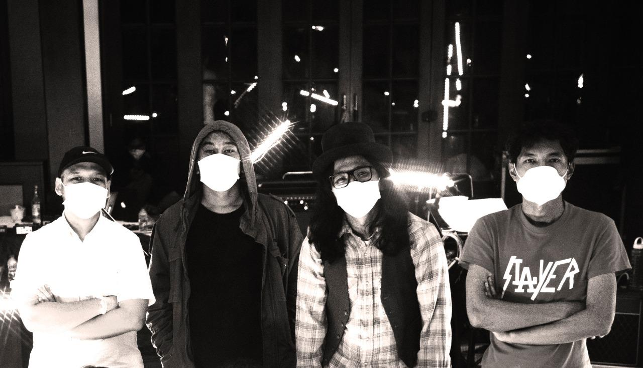 Zeke And The Popo Merilis Ulang EP Pertama mereka berjudul 'Unrescued World'.